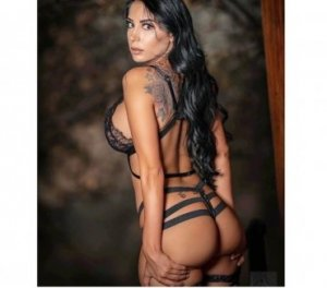 Cherazade nuru massage Wellesley, ON