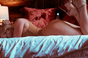 Elissia petite escorts in Timmins, ON